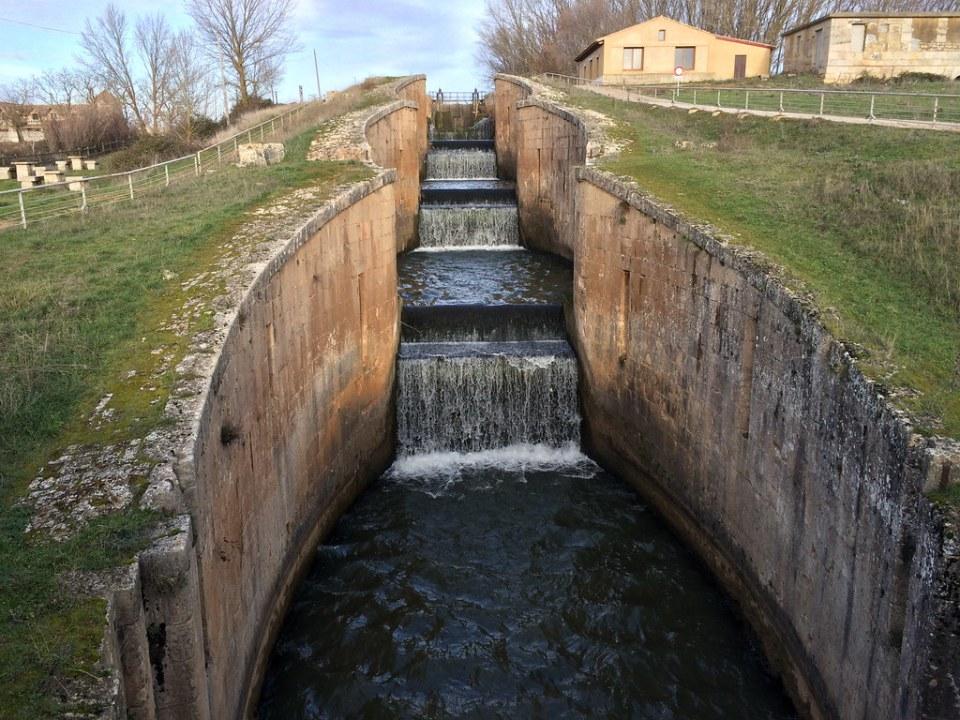 Canal de Castilla Esclusas en Fromista Palencia 09