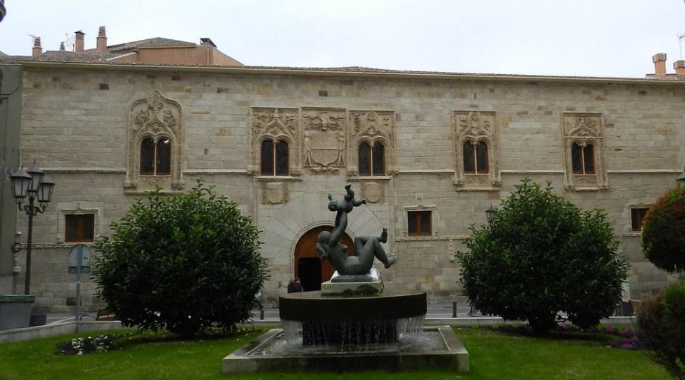 Palacio de los Momos Zamora 24