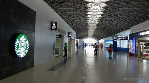 1408四川旅遊 機場 成都雙流國際機場 桃園國際機場 長榮航空 登機口 免稅店 購物商店 飛機37   Flickr