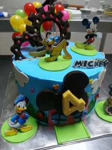 mickey mousse club house with pandan flavour