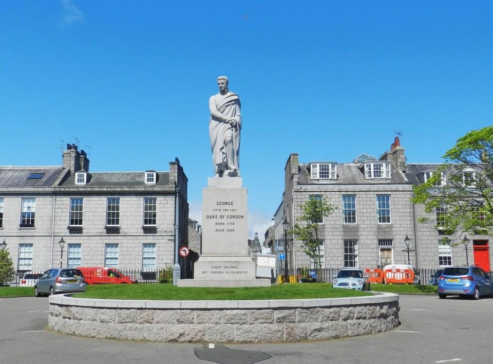 George V, Duke of Gordon Statue, Golden Square, Aberdeen, … | Flickr