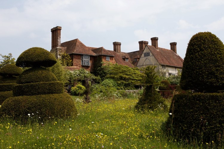 Great Dixter topiary