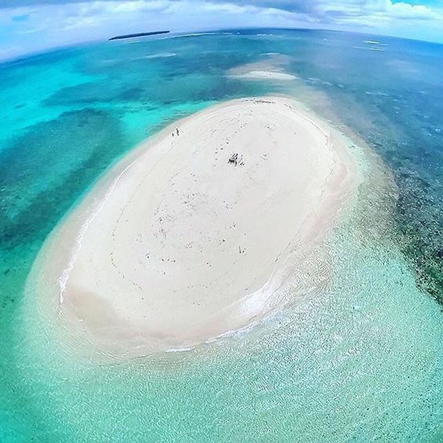 Stunning White Sand Vanishing Island In The Philippines - Naked Island, Britannia Group of Islands In Surigao del Sur