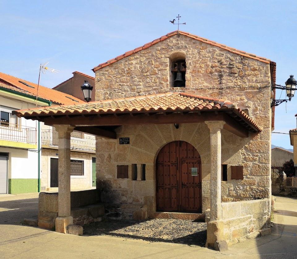 Ermita del Cristo del Humilladero o del Santo Cristo de Valverde del Fresno Sierra de Gata Caceres 01