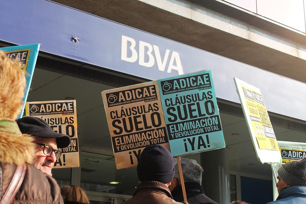 Un decreto de Rajoy hace que la banca se quede con 1.400 millones de las cláusulas suelo