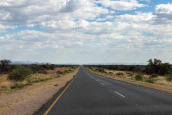 We hadden weer even genoeg wilde beesten gezien en scheurden over de uitstekende wegen naar de hoofdstad, Windhoek.