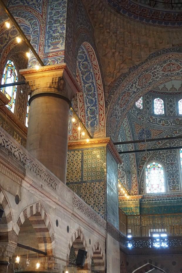 Sultan Ahmet Camii interior colored tiles