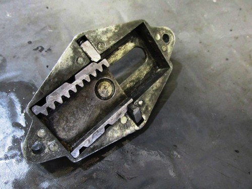 Steering Damper Adjuster Mechanism Detail-Note Pins Are Spring Loaded