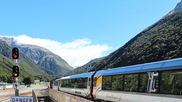Arthur's Pass: TranzAlpine Express