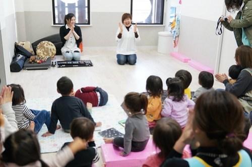 20190108保育園読み聞かせ&即興演奏
