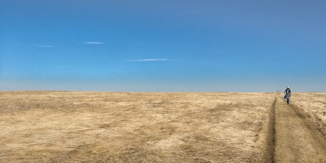 Flat Unobstructed Horizon In All Directions
