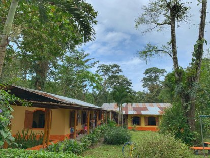Isa's school in Playa Chiquita