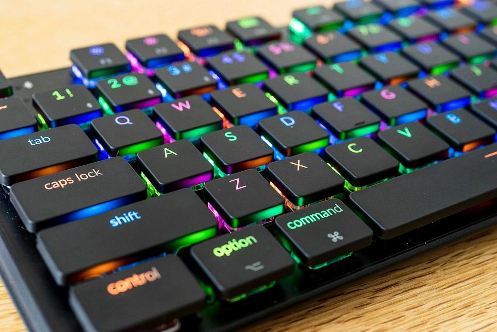 Keychron K1 レビュー/Mac用のスリム&ワイヤレスなメカニカルキーボード,RGBでめちゃめちゃ光るぞ! | makkyon web