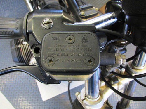 Front Brake Fluid Reservoir & Master Cylinder Mounts to Right Handlebar Perch