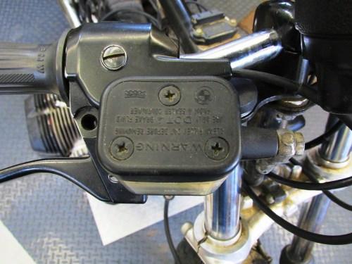 Front Brake Fluid Reservoir & Master Cylinder Mounts to Right Handlebar Perch