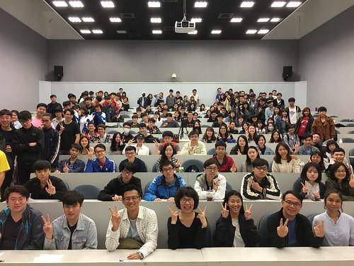 詹皓中導演與現場觀衆合照