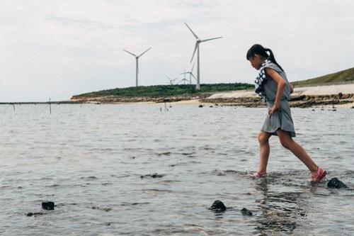 Wind turbines near Moses Parts the Sea (摩西分海), Penghu