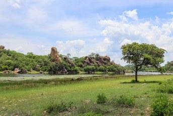 Al cruisend door het park reden we langs dit stuwmeer van de Toghwana Dam, hier kan gekampeerd worden.