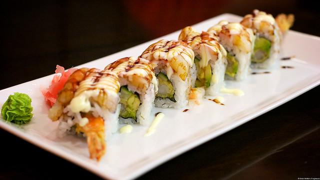 Yakko Sushi: ebi love roll