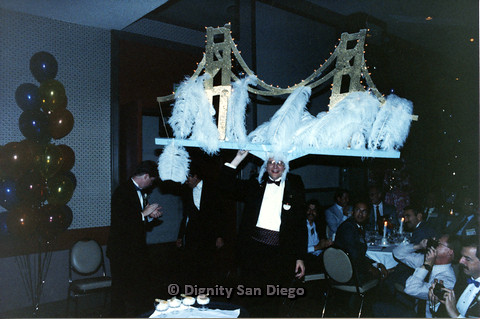 P103.123m.r.t Dignity Ninth Biennial Convention 1989: Man with enormous hat shaped like the Golden Gate Bridge