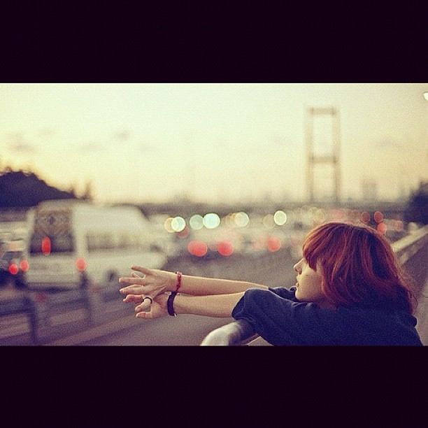 當你想找個人說話的時候。才發現有些事情是不能告訴別人的。有些事情是不必告訴別人的。有些事情是根本 ...