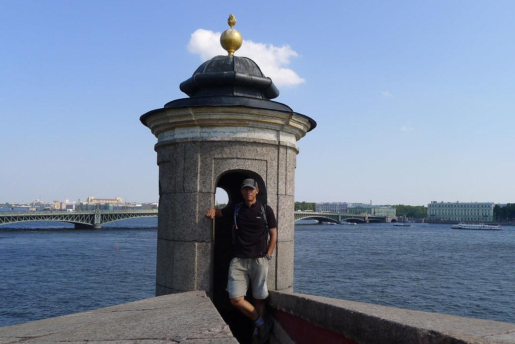 在圣彼得堡彼得保羅要塞頂部 | Eric Feng | Flickr