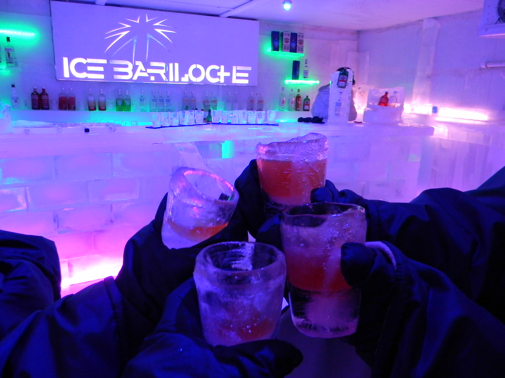 Bar todo de gelo; Ice Bariloche; Bariloche - AR   Melyna Rosa   Flickr