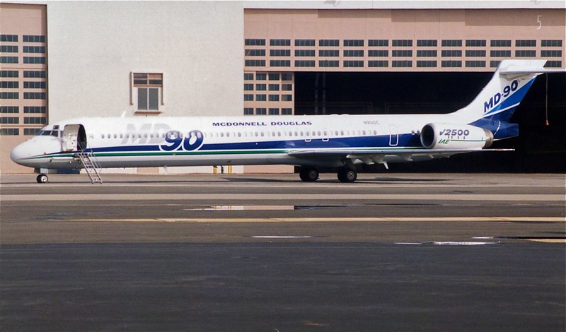 N901DC MD-90 Prototype