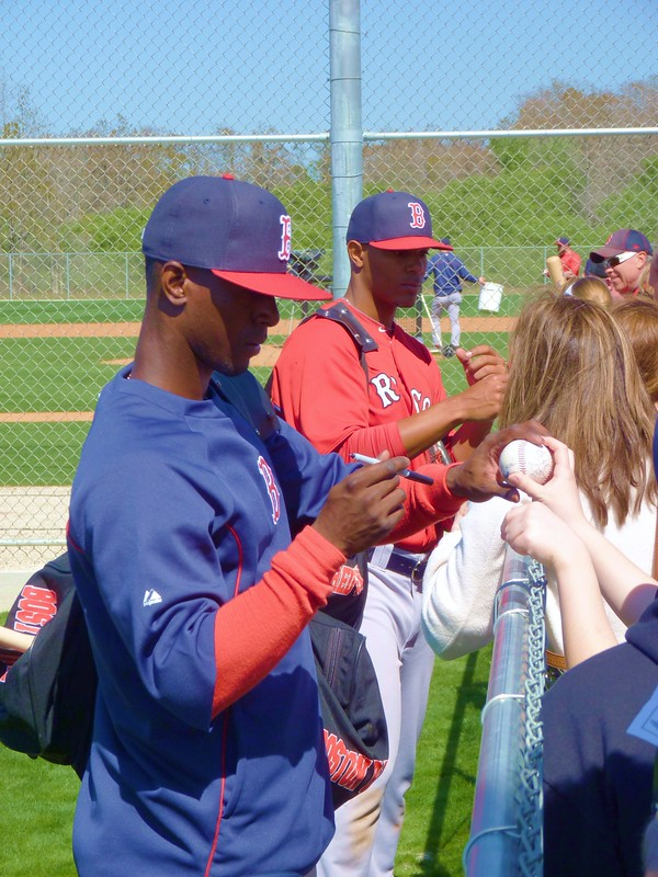 Pedro Ciriaco and Xander Bogaerts sign some autographs
