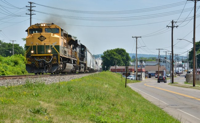 Its Hip To Bees Ns 1067 Leads Ns 309 West At Sr