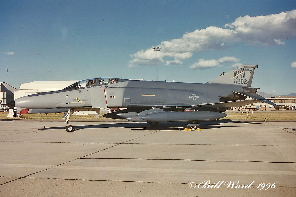 McDonnell Douglas F4G Phantom IIWild Weasel USAF 697202