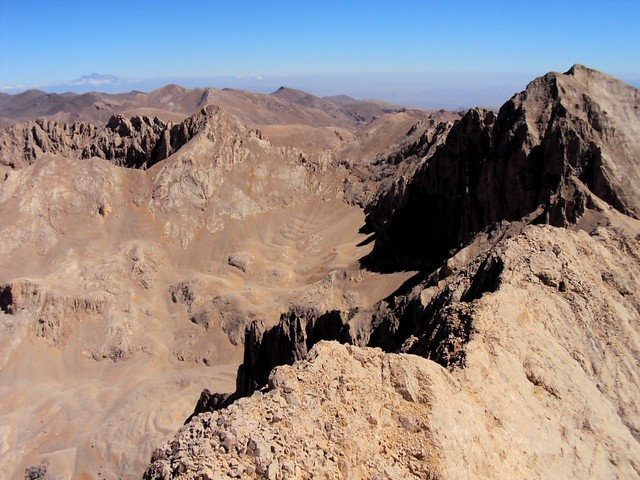 The steep descent from the saddle that Sabiha and I had done a few years earlier is right in the middle of this photo by bryandkeith on flickr