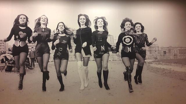 Modelos-Madrid-1970.-Panel-de-exposición