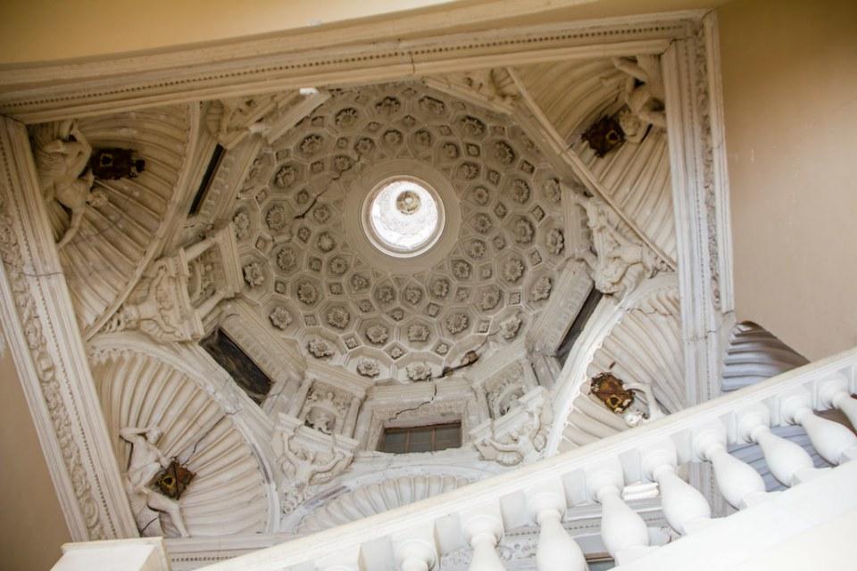 cupula de escalera noble interior Palacio Episcopal Tarazona Zaragoza 01