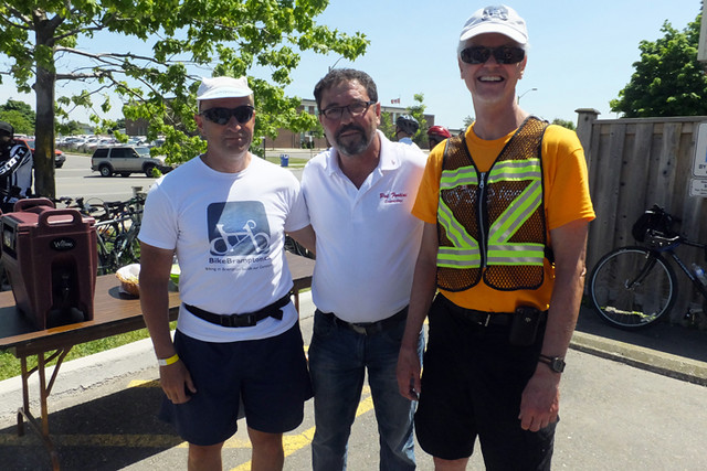 2016 34 BCF Pat Fortini & volunteers_700