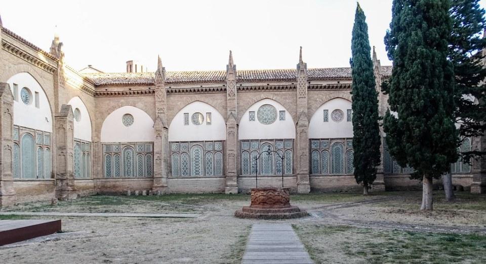 claustro exterior Catedral de Nuestra Señora de la Huerta de Tarazona Zaragoza 01
