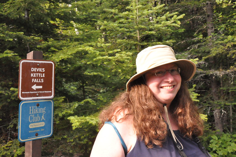 Devil's Kettle trail