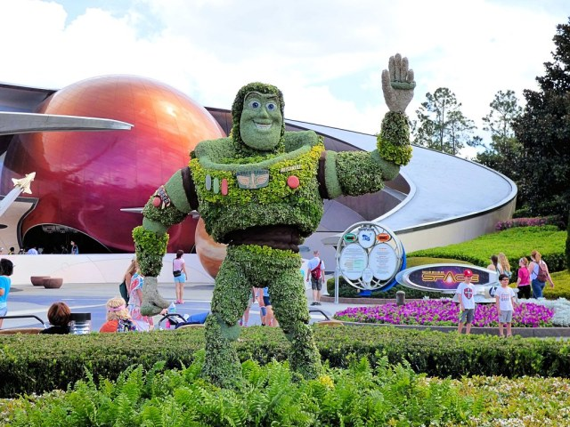 Buzz Lightyear Topiary