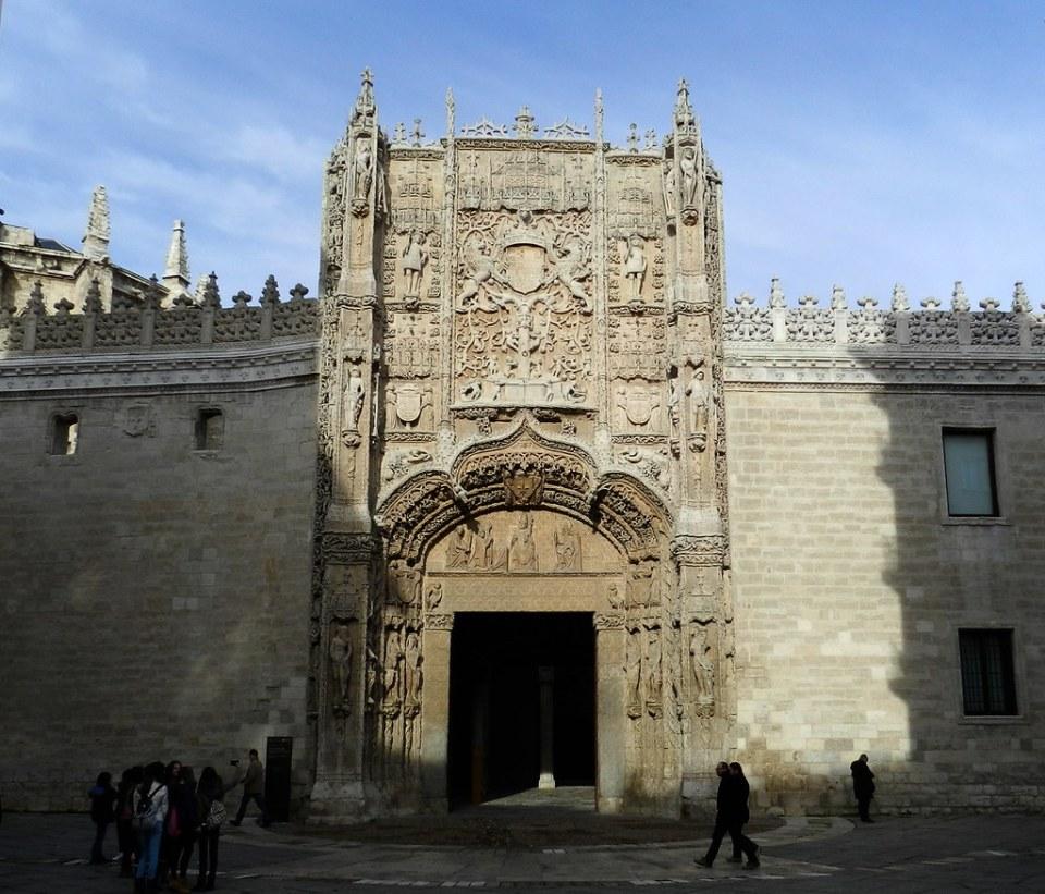 fachada Colegio San Gregorio Museo Nacional Esculturas Valladolid 01
