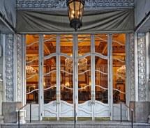 Le Pavillon Doors Entrance Hotel 833
