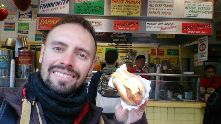 Dónde comer hot dogs y gastronomía en Nueva York (Estados Unidos) - Perritos Calientes Gray's Papaya.