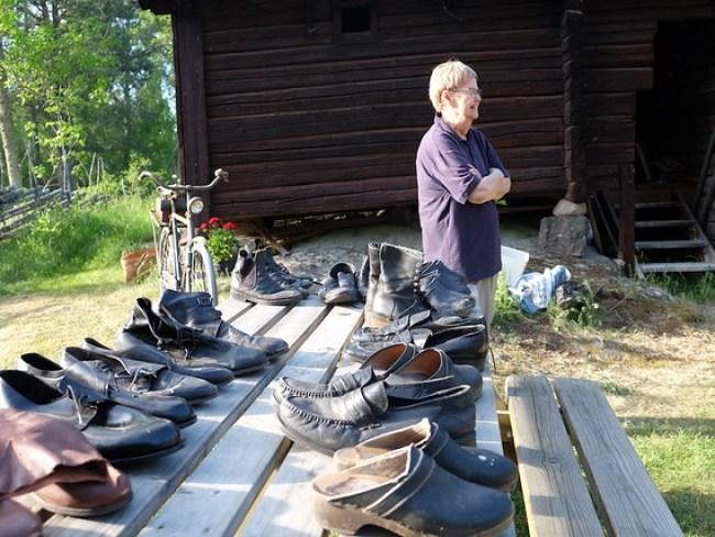 Ann-Marie Karlström har dukat upp skobordet