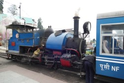 darjeeling toy train photo