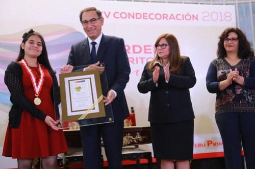 CONDECORACIÓN ORDEN AL MÉRITO MUJER 201823