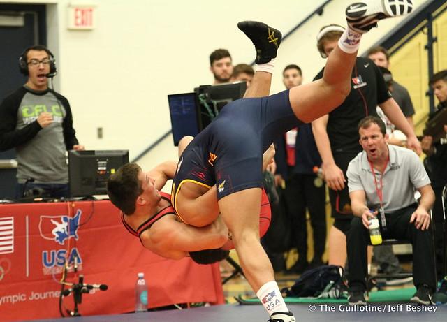 97 kg/213 lbs.- Daniel Kerkvliet (Pinnacle) vs. Zach Elam (Team Central WC). 180519BJF0175