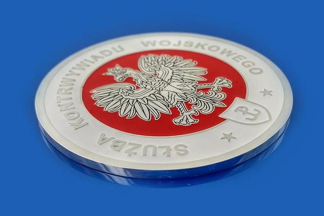 srebrzony medal dal SKW, biała i czerwona emalia