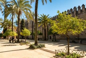 Hier de kantelen van het kasteel voor de Christelijke Monarchen, Alcázar de los Reyes Cristianos.