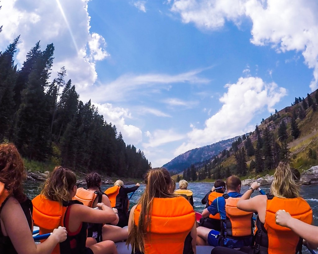 Rafting Snake River Jackson Hole Wyoming yellowstone to grand teton