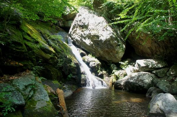 Hazel Falls Cave And White Rocks Trail Loop Shenandoah National Park Va Live