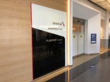 Aa Flagship Lounge Los Angeles Lax - Live And